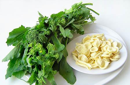 ingredients-for-maritate-pasta-with-sauteed-broccoli-rabe
